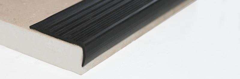 Противоскользящие резиновые ленты, накладки, углы (самоклеющиеся)
