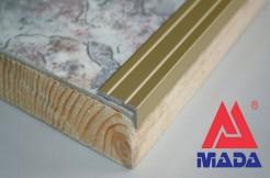 Алюминиевый порог, угловой, 25-10 мм, анодированный, с отверстиями, золото